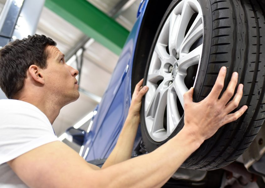 Henkilöauton renkaiden vaihto ja kausisäilytys vain 35€ (arvo 70€)