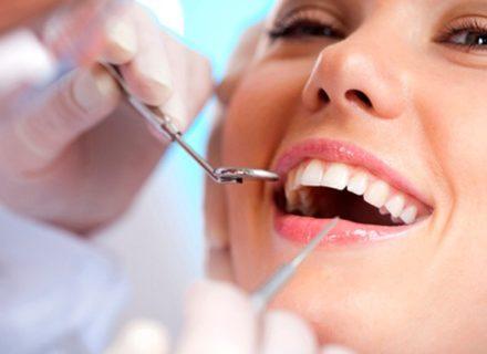 Hammastarkastus valinnaisella hammaskiven poistolla ja puhdistuksella alk. 15€ (säästä jopa 81%)