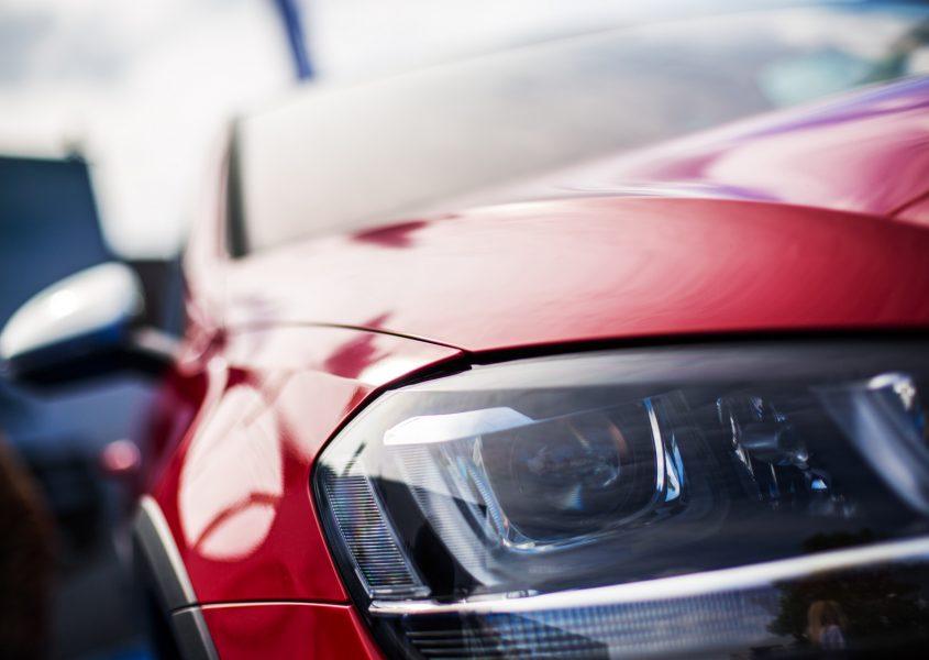 Henkilöauton käsinpesu kevytvahauksella ja tuulilasin pinnoitteella tai kovavahauksella alk. vain 15€