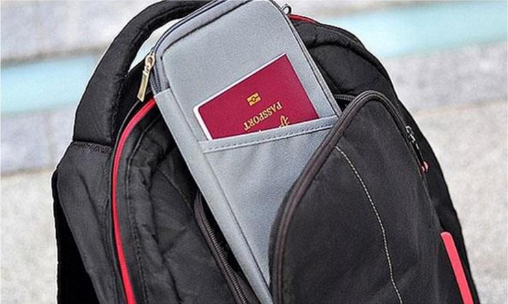 Matkalompakko valitsemassasi värissä vain 8,90€ (ovh 29,90€) sis.toimituskulut
