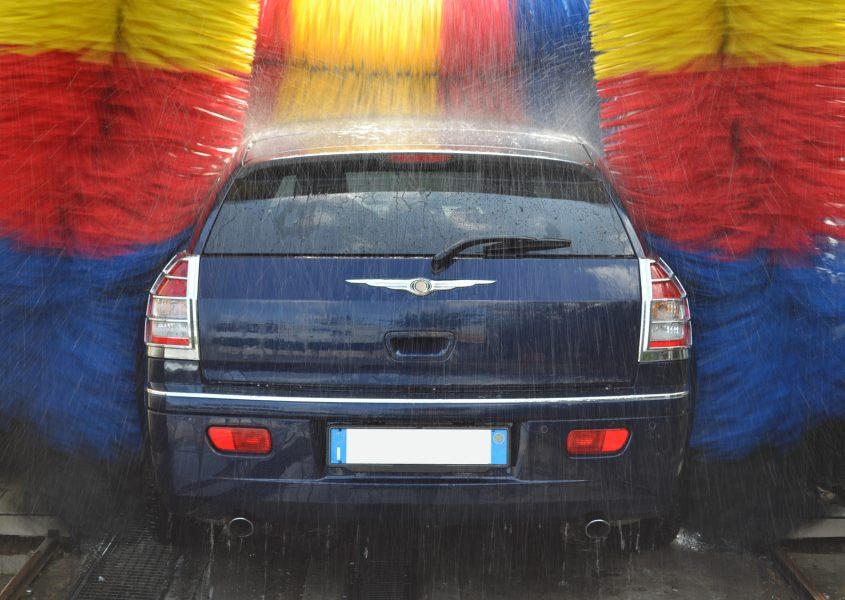 Henkilöauton koneellinen kiiltopesu vain 12€ (arvo 29€)