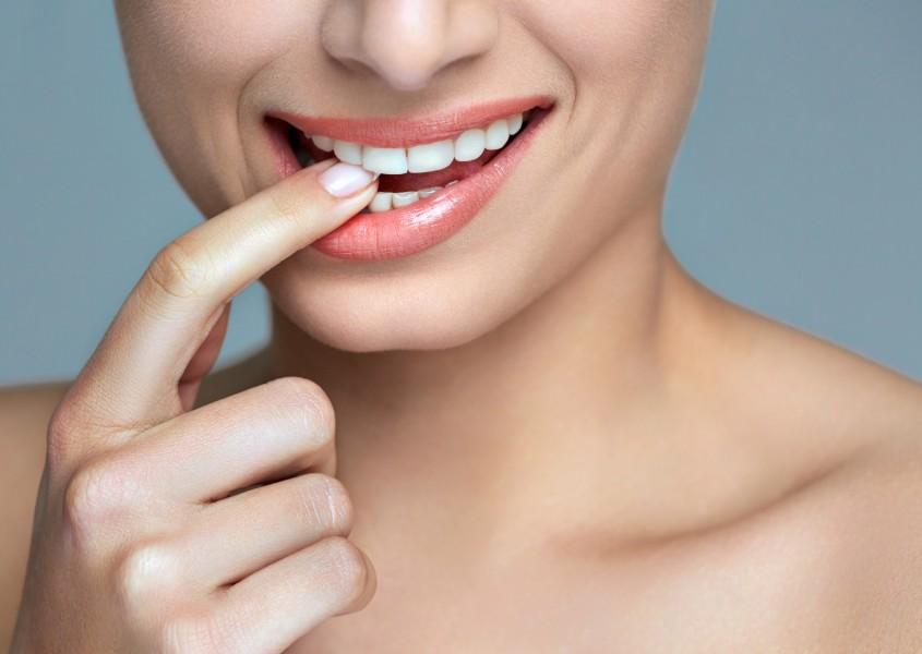 Hampaiden kevytvalkaisu 1 tai 3 kertaa alk. 59€ (arvo jopa 450€)