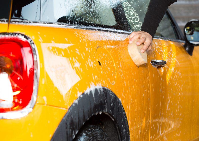 Henkilöauton kovavahaus, käsinpesu ja imurointi vain 65€ (arvo 240€)