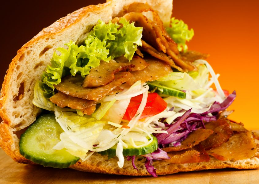 Valinnaiset kebab-annokset ja 0,5 litran limut kahdelle vain 15€ (arvo 25,80€)