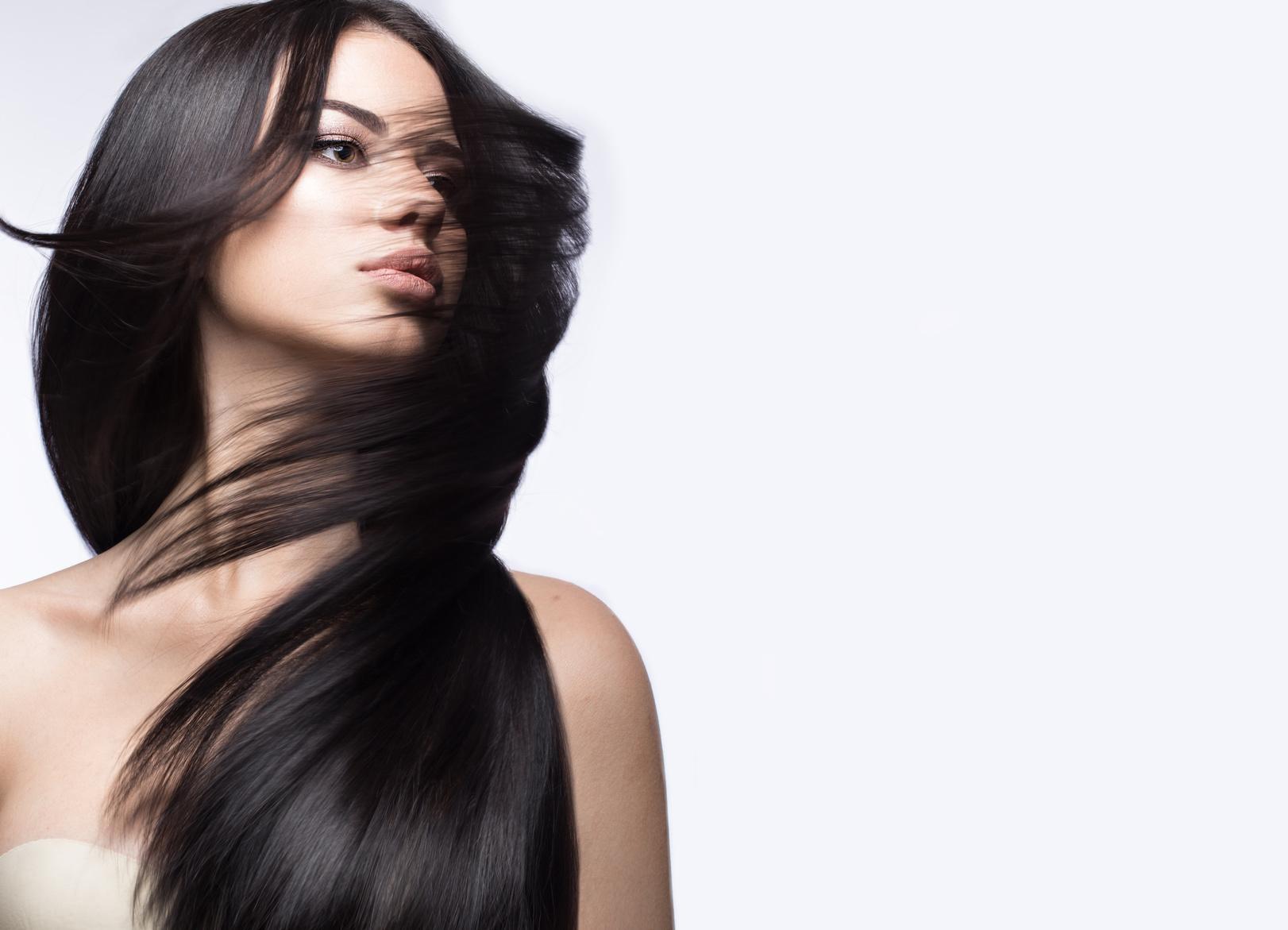 Hiustenleikkaus, pesu ja tehohoito 25€ (säästä 58%)