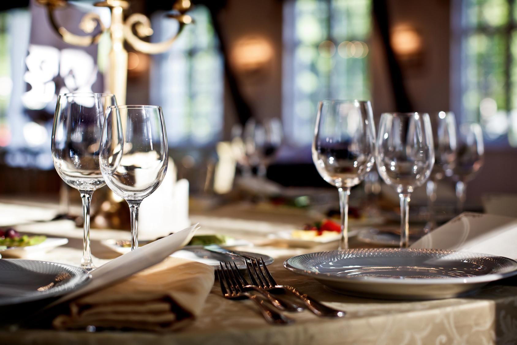 Ravintola Naab – kolmen ruokalajin persialainen menu kahdelle vain 30€ (säästä 56%)