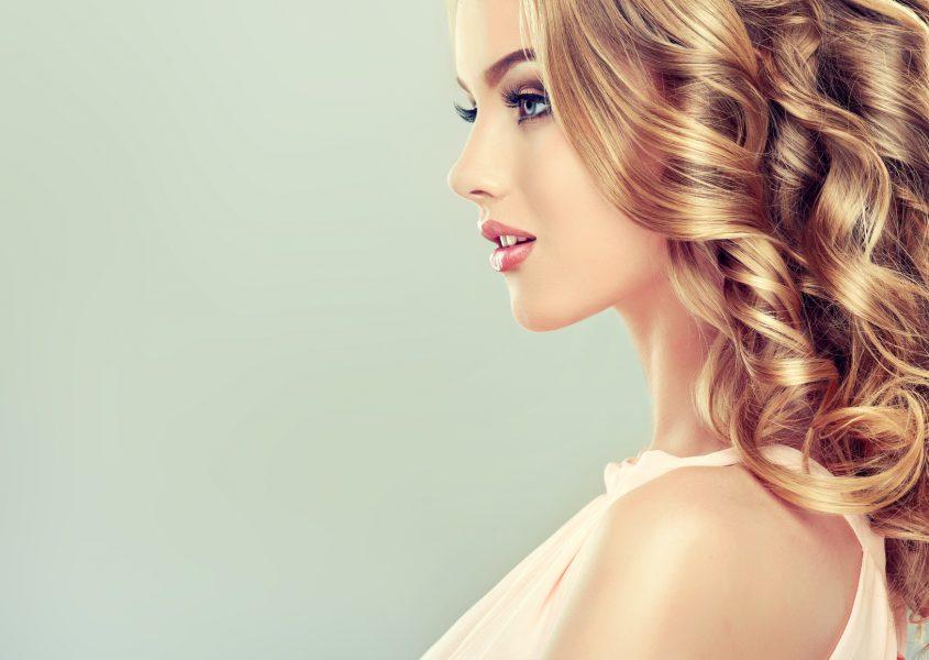 Hiustenleikkaus ja hiuspohjan tehohoito 25€ (arvo 60€)