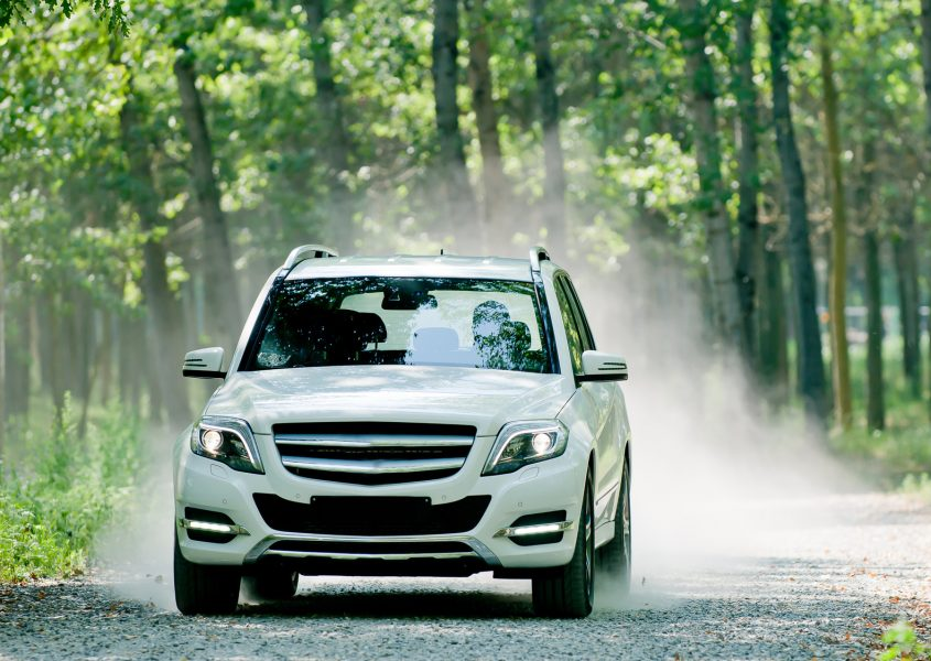 Auton vuosihuolto ja öljynvaihto Mobil 10w40- tai Motox longlife 5w30 -öljyllä alk. 39€