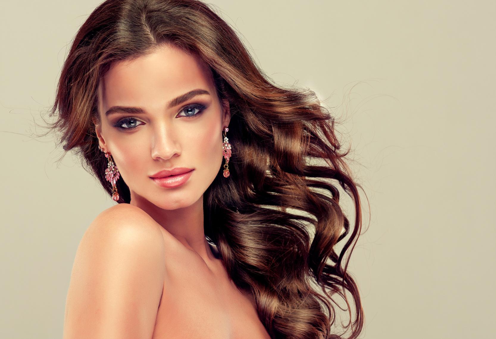 Hiustenleikkaus ja tehohoito 29€ tai hiustenleikkaus ja yksivärivärjäys 45€ (säästä jopa 66%)