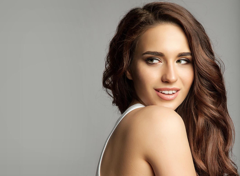 Naisten hiustenleikkaus tehoöljyhoidolla 1-6 kertaa alk. vain 19€