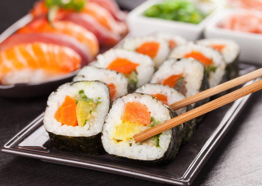 Sushi-lounasbuffet yhdelle tai kahdelle alk. vain 6€