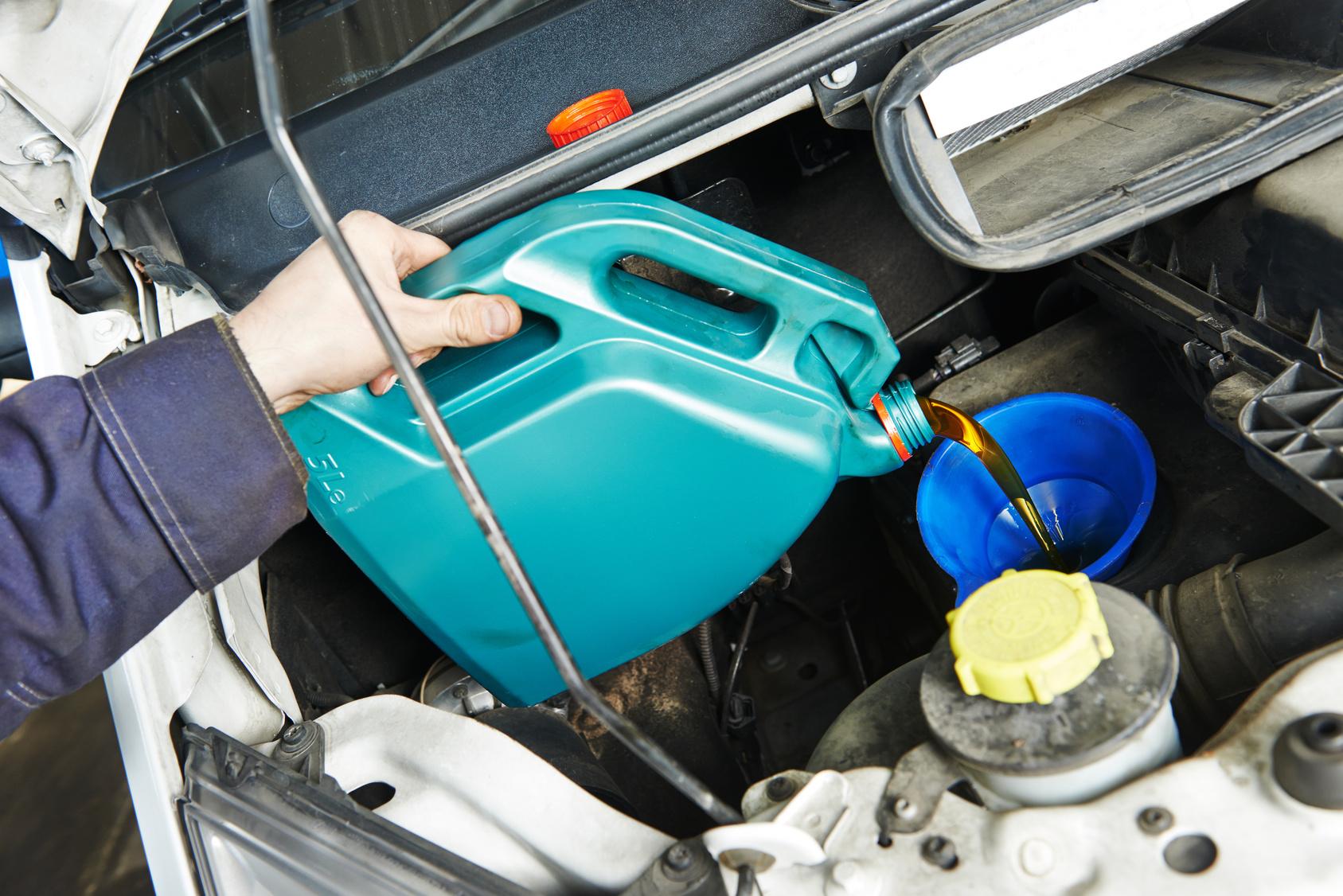 Auton vuosihuolto öljynvaihdolla vain 40€ (arvo 145€)