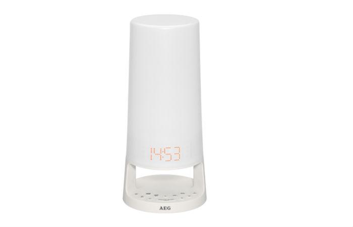 AEG MRC 4147 L Herätysvalo kelloradiolla 44,90€ (ovh 59,90€)