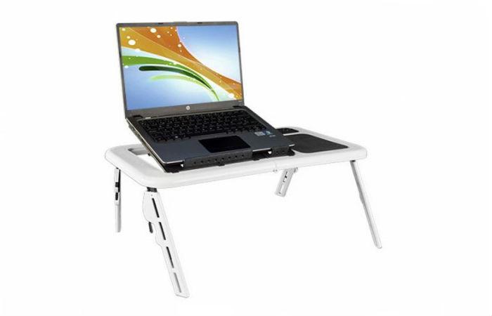 Laptop-pöytä puhaltimella 37,90€ (ovh 61,34€)