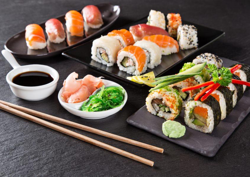 Sashimi-alkupala, sushibuffet sekä jälkiruoka kahdelle vain 29,90€ (arvo 63,80€)