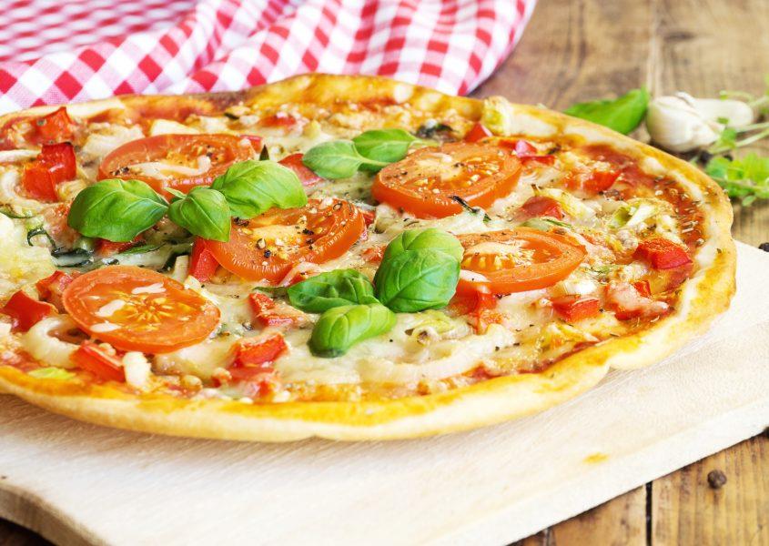 Vapaavalintainen pizza tai kebab yhdelle tai kahdelle alk. vain 5€