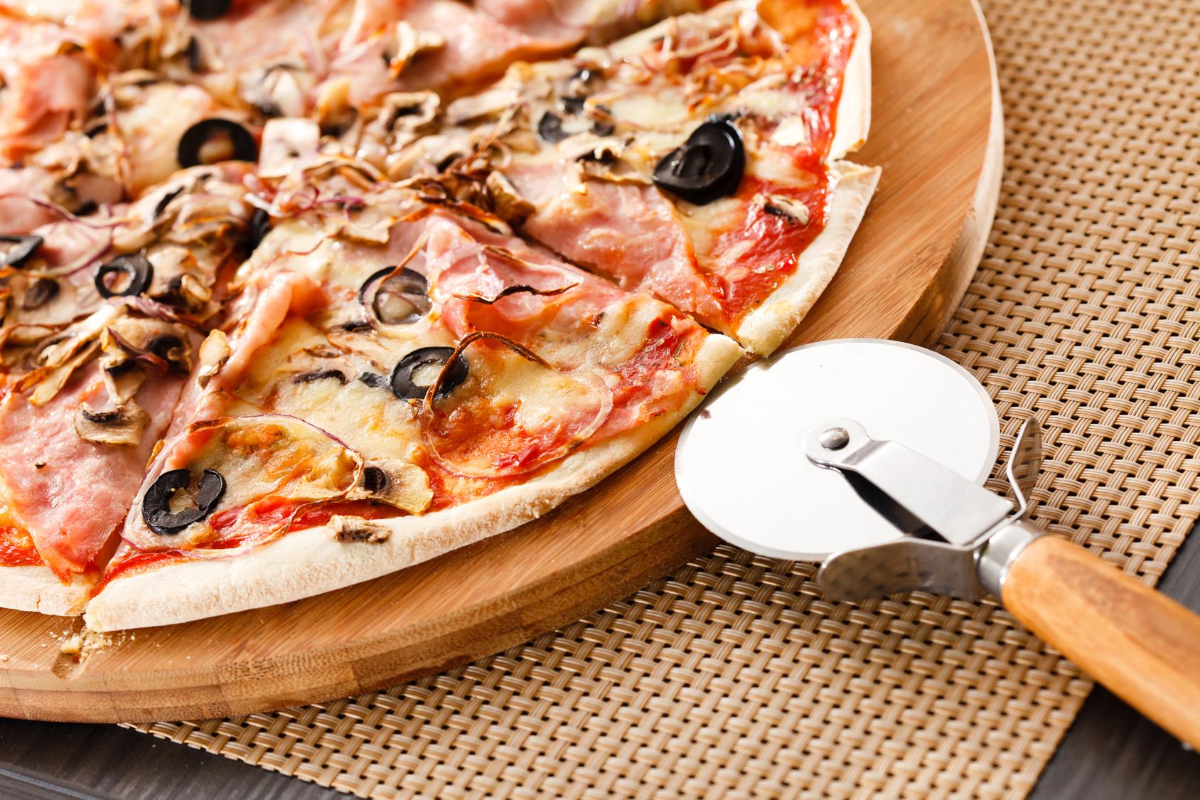 Gluteeniton pizza 4 täytteellä 6€ (arvo 12€)