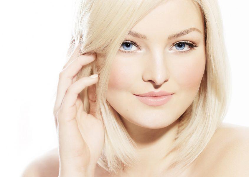Hiusten tyvivärjäys, leikkaus ja silottava tehohoito 40€ (arvo 88€)