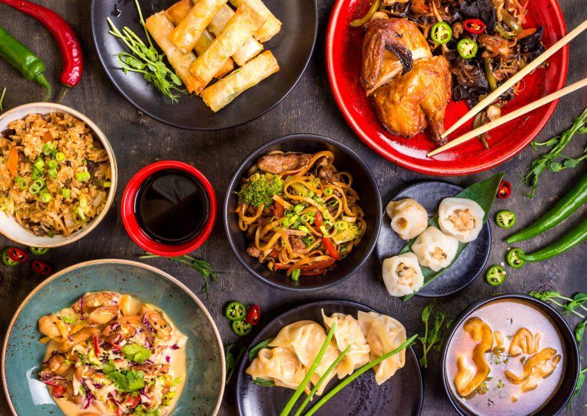 Kahden ruokalajin kiinalainen erikoismenu 2-4:lle alk. 24€