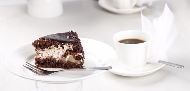 Valinnaiset kahvit ja kakkupalat kahdelle Brander-kahviloissa vain 6€ (arvo 12,60€)