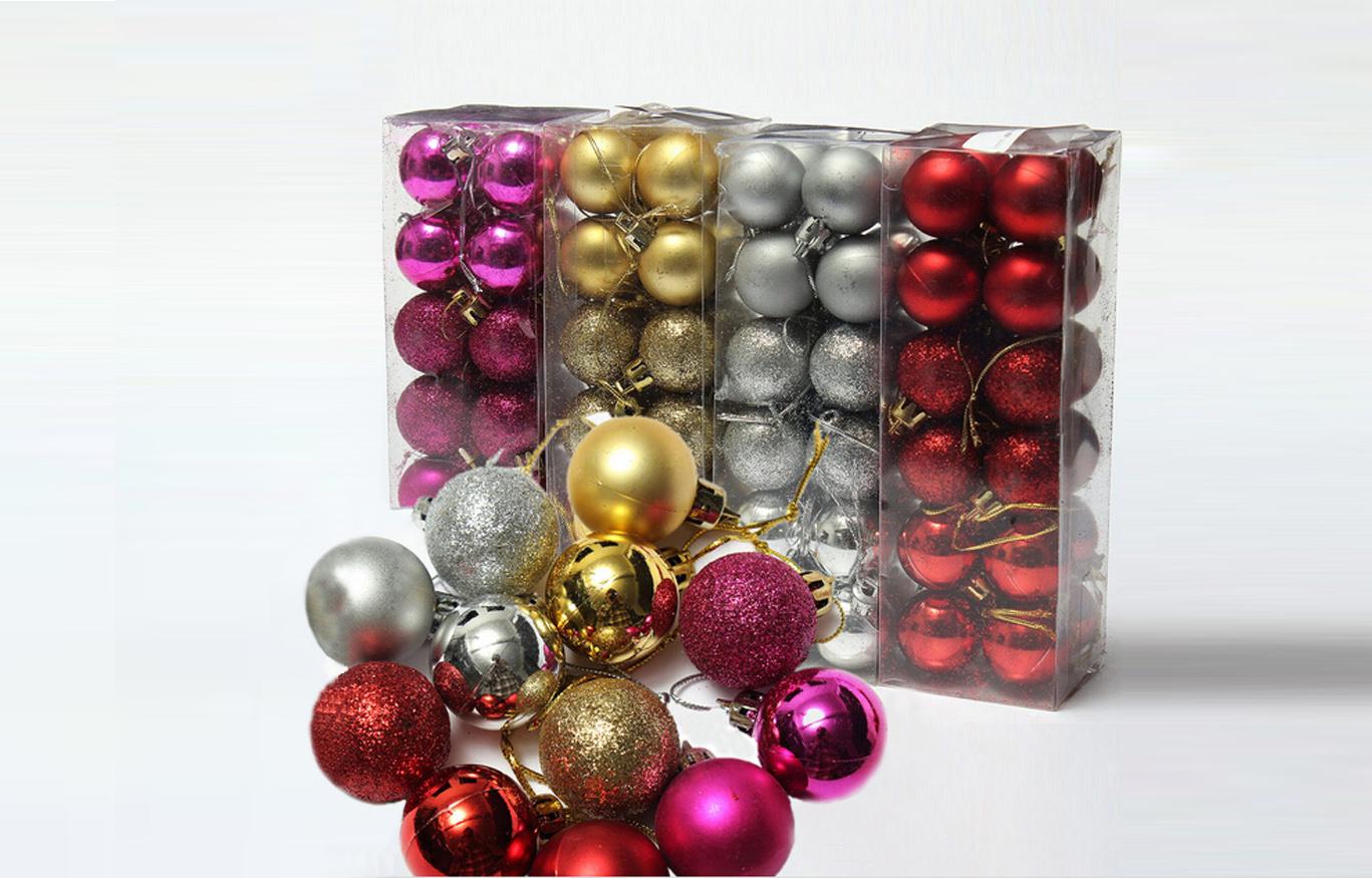 24 kpl joulupalloja eri väreissä 6,90€ (ovh 10,90€)