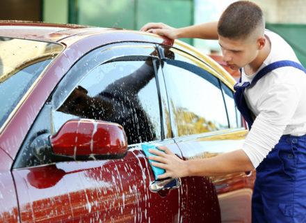 Auton käsinpesu, sisäpuhdistus ja nanokovavahaus sekä halutessasi kuukauden rajattomat autopesut alk. 59€ (säästä jopa 65%)