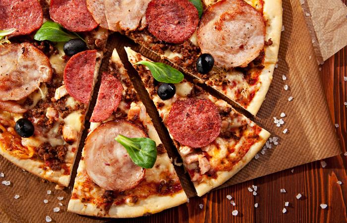 Pizzat tai kebabit kotiinkuljetuksella tai ilman alk. vain 4,90€ (säästä jopa 51%)