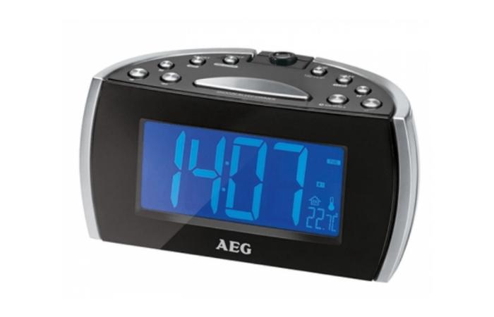 AEG MRC4119P Kelloradio projektorilla 29,90€ (ovh 39,90€)