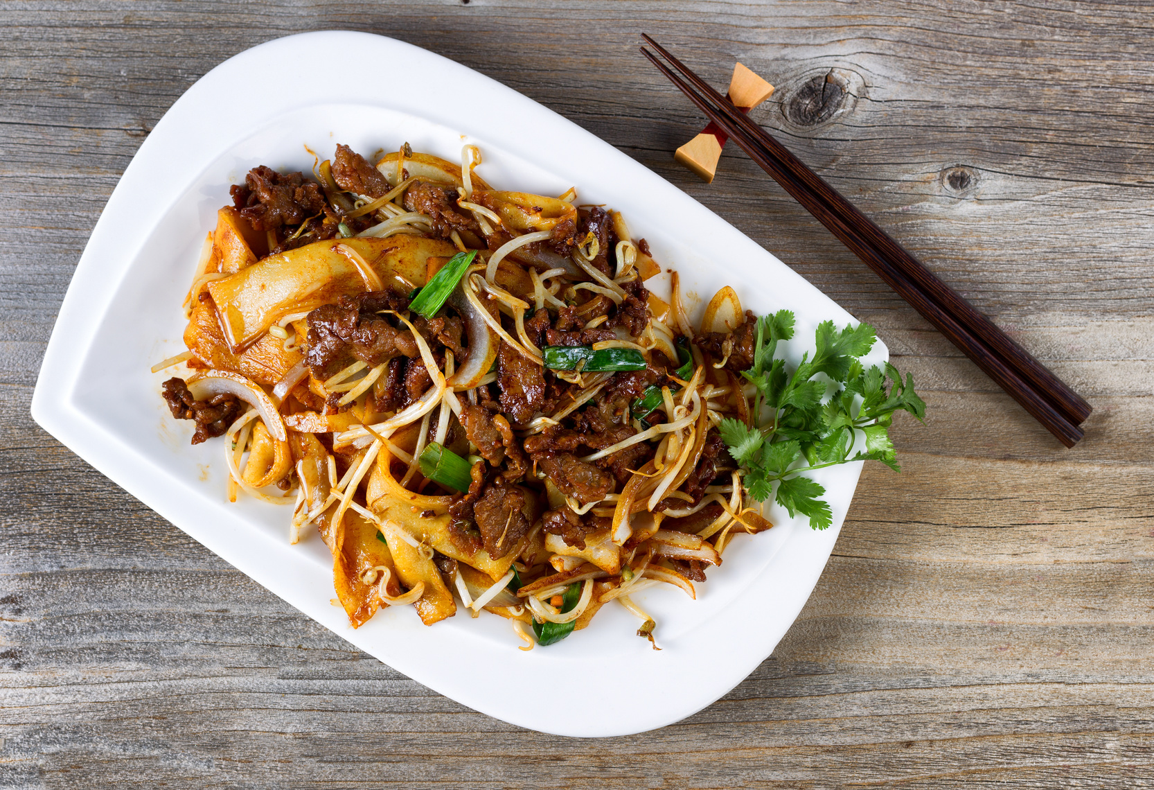 Kiinalainen kahden ruokalajin menu 2-4 hengelle alk. 25€