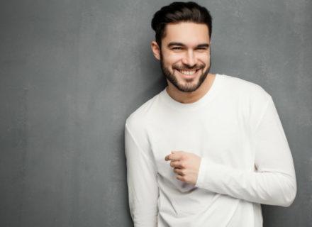 Miesten hiustenleikkaus ja parranajo sekä kasvojen siistiminen langalla 15€