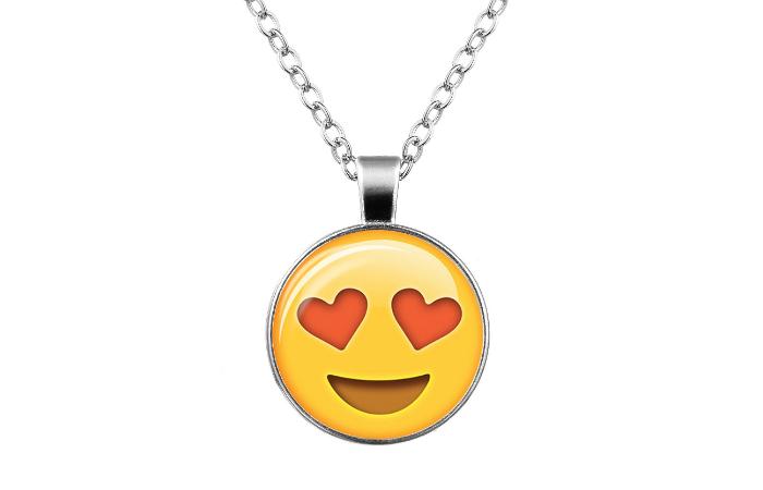 Emoji-kaulakoru, 5 erilaista vain 8,90€ (ovh 19,90€)