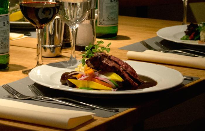 Brahen Kellarin kolmen ruokalajin menu 2, 4 tai 6 henkilölle alk. 50€ (säästä 50%)