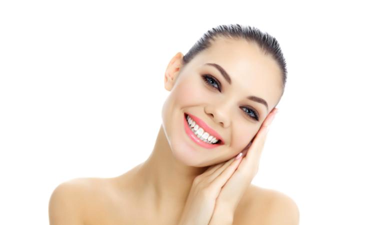 Hammastarkastus hammaskiven poistolla ja soodapuhdistuksella tai ilman alk. 15€ (säästä 83%)