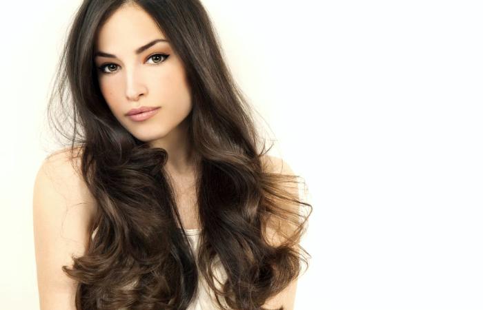 Hiustenleikkaus ja yksivärivärjäys 40€ (säästä 67%)