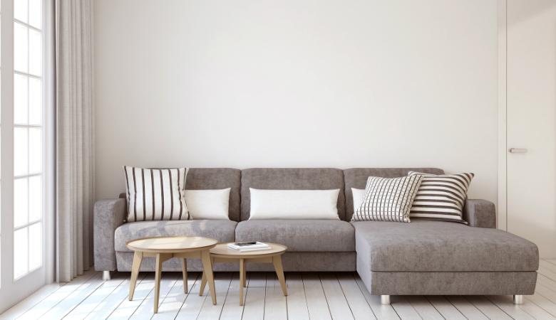 Kolmen tai viiden istuttavan sohvan pesu alk. 89€