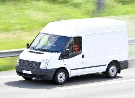 Pakettiauton vuokraus tai muuttopalvelu alk. 44€ (säästä 50%)