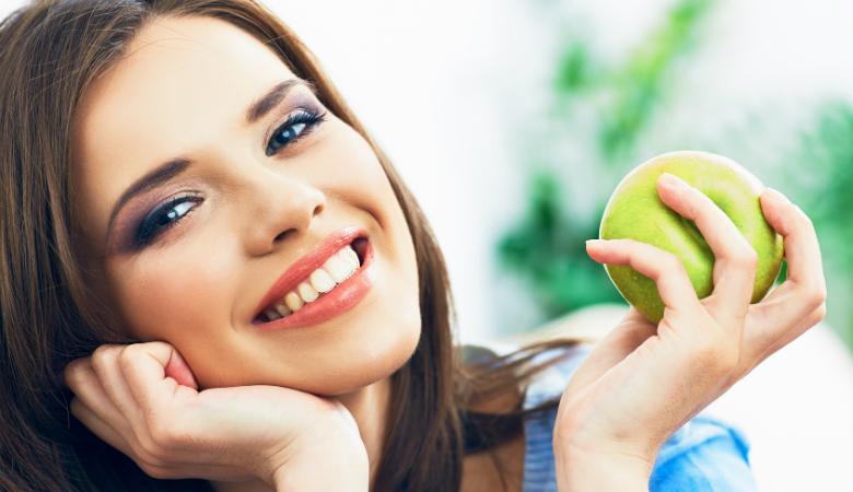 Hammastarkastus valinnaisella hammaskiven poistolla ja soodapuhdistuksella alk. 15€ (säästä jopa 83%)