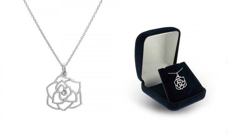 Ruusukaulakoru Swarovski-kristallilla, kolme värivaihtoehtoa 15,90€ (säästä 74%)