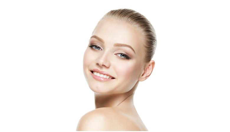 Kosteuttava kasvohoito tai ihonpuhdistus ultraäänellä 35€ (säästä 53%)