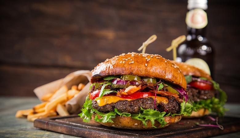 Burgerateriat kahdelle sis. ranskalaiset ja juomat 19,90€ (säästä 46%)