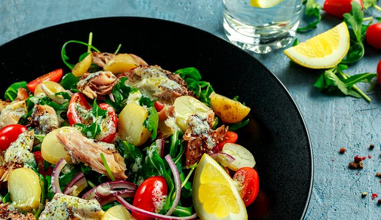 ParkBuffetin salaatti viidellä täytteellä ja juoma alk. 7,20€ (säästä jopa 45%)
