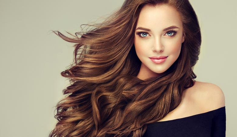 Hiusten värjäys ja leikkaus ja halutessasi ripsien tai kulmien värjäys alk. 45€ (säästä jopa 63%)
