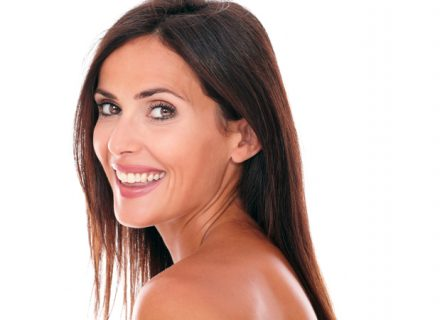 Valinnainen kasvojen alueen täyteainehoito 149€ (säästä 63%)