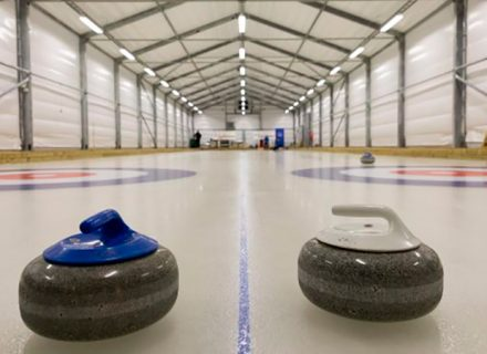 Curlingin alkeiskurssi ja valinnaiset pelivuorot alk. 19€ (säästä jopa 59%)