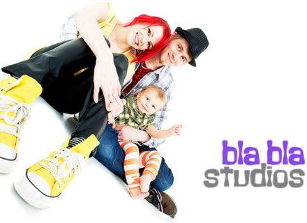 Perhevalokuvaus studiossa ja kuva pöytäkehyksissä (säästä 79%)