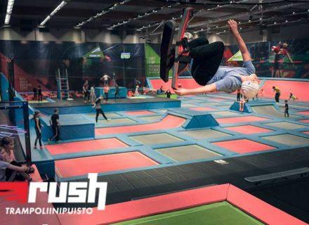 Liput kahdelle Rush-trampoliinipuistoon 24€