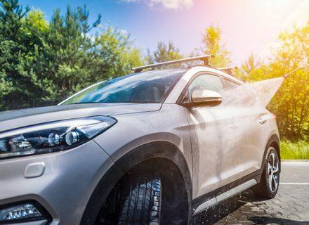 Auton käsinpesu, myllytys, kovavahaus ja sisäpuhdistus 99€ (säästä 60%)