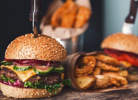 Talon Beef burgerit kahdelle ja talon viinipullo 35€ (säästä 40%)